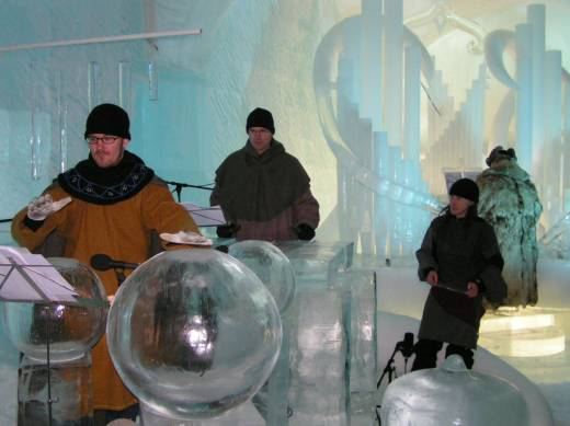 Ice Music Symphony: Ice Organ, drums and xylaphone